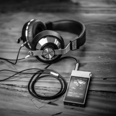 Astell & Kern II Portable Hi-Fi Sound System - Trending Gadgets On Petagadget Headphones With Microphone, Wireless Headphones, Family Day Quotes, Professional Headphones, Headphone Amp, Sound Speaker, Modern Tech, Tecno, Audio Player