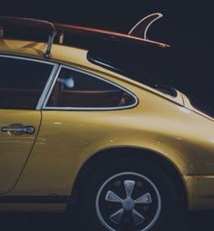 """""""Design must reflect the practical and aesthetic in business but above all... good design must primarily serve people."""" - Thomas J. Watson  1977, Porsche 911s and SurfBoard.  #manoftheworld #porsche #SurfBoard #911 #porsche911 #sufer #911s #icon #vintagecars #inspiration #lifeinpictures #classiccars #theone #icons #911porsche #design #ferdinandporsche #Butzi #Butziporsche #manoftheworldcars @manoftheworldcars"""