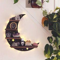 Wooden Wall Shelves, Wooden Walls, Wooden Shelf Design, Shelf Wall, Decoration Inspiration, Room Inspiration, Battery Lamp, Geometric Shelves, Crystal Shelves