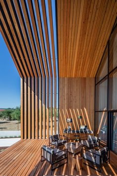 Filipe Saraiva Arquitectos has taken inspiration from the childlike idea of a house's shape to design this family home in the farmlands of Ourém, Portugal. Residential Architecture, Architecture Design, Design Exterior, Modern Pergola, Pergola Designs, Pergola Kits, Pergola Ideas, Pergola Patio, Pergola Screens