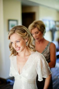 Style Me Pretty. Calistoga Wedding by Greg Slick Photography. >Lovely, drapey, lacey sleeves with a deep V for us flat chesties.