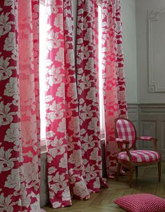 Oh heavenly pink drapes!