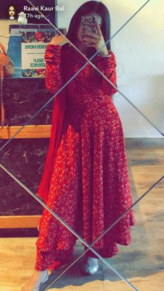 Dpz for girls Pakistani Dresses Casual, Indian Fashion Dresses, Dress Indian Style, Pakistani Dress Design, Indian Outfits, Stylish Dress Designs, Designs For Dresses, Stylish Dresses, Simple Dresses