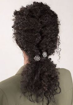 Love these Celtic Knot Lilla Rose Upins in this beautiful curly hair! Holds securely all day with no pulling! Elvish Hairstyles, Shaved Side Hairstyles, Ponytail Hairstyles, Quick Hairstyles, Renaissance Hairstyles, Curly Hair Ponytail, French Braid Ponytail, Braid Hair, Celtic Hair