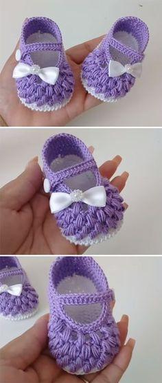 45 Ideas Crochet Shoes Pattern Tutorials Baby Slippers For 2019 Crochet Baby Boots, Crochet Baby Sandals, Crochet Baby Clothes, Love Crochet, Crochet Yarn, Funny Crochet, Crochet Shoes Pattern, Baby Shoes Pattern, Baby Patterns