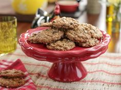Chewy Schmaltz Oatmeal-Raisin Cookies Recipe from Food Network Desserts To Make, Delicious Desserts, Sweet Desserts, Valerie's Home Cooking Recipes, Cooking Food, Nutella, Cookie Recipes, Dessert Recipes, Food Network Canada