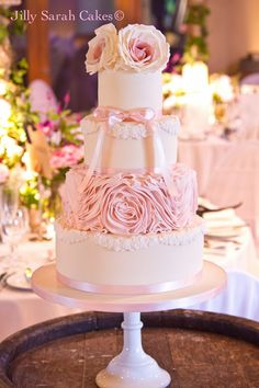 We've seen so many super pretty and romantic wedding cake inspiration here at MODwedding, so it's our duty to share our faves so you can swoon too! Take a look and happy pinning.