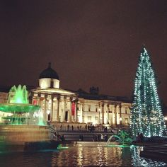 Love London in Christmas....the most famous Christmas Tree in the World