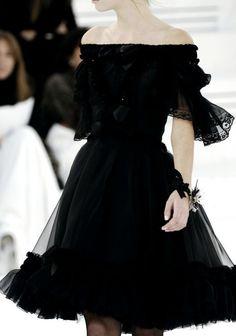 The #little #black #dress. Chanel Haute Couture S/S 2006