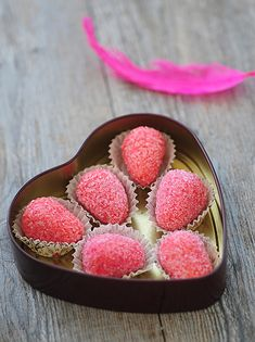 Tortellini: Strawberries- translator in sidebar! Christmas Sweets, Fudge Recipes, Tortellini, Great Recipes, Frozen, Strawberry, Appetizers, Tasty, Cookies