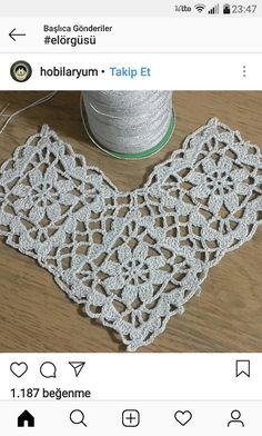Triangle shawl pattern with silvery string motif # lace # weave # handmade # weave . Crochet Round, Crochet Motif, Irish Crochet, Hand Crochet, Crochet Lace, Crochet Stitches, Free Crochet, Crochet Patterns, Crochet Bikini