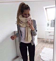 123 awesome winter outfits to update your work wardrobe wint Look Fashion, Winter Fashion, Fashion Outfits, Womens Fashion, Casual Winter Outfits, Fall Outfits, Cute Outfits, Work Wardrobe, Winter Wardrobe
