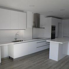 Reforma de cocina en piso de zona de la estaci n de tres for Ver cocinas montadas