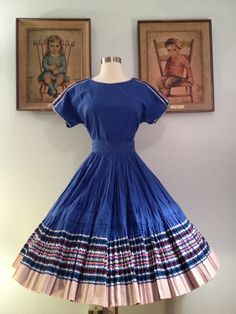 Your place to buy and sell all things handmade Robes Western, Western Dresses, Vintage 1950s Dresses, Vintage Clothing, Vintage Outfits, Robe Swing, Swing Dress, Sunday Church Outfits, African Fashion Traditional