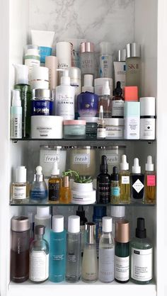 Anti Aging Skin Care Routine Natural Skin Care Tricks For Lovely Complexion Skincare Blog, Image Skincare, Korean Skincare, Skincare Routine, French Skincare, Skin Care Regimen, Skin Care Tips, Skin Tips, Organic Skin Care