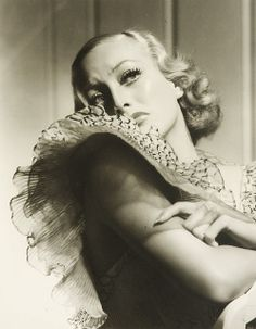 Portrait of Joan Crawford by George Hurrell.