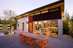 The Prefab Dwelling Shed Compound was build as a recreational family getaway. It also serves as a showcase for Modern-Shed products, designs and concepts. Cool Sheds, Backyard Office, Backyard Studio, Custom Sheds, Warehouse Design, Modern Shed, Indoor Outdoor Living, Outdoor Rooms, Building Structure