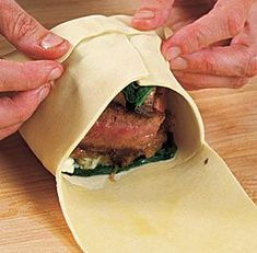 Individual Beef Wellingtons with Mushroom, Spinach & Blue Cheese Filling Recipe.just maybe a biff erect cheese Meat Recipes, Cooking Recipes, Recipies, Individual Beef Wellington, Beef Wellington Recipe, Mini Beef Wellington, Beef Dishes, Filling Recipe, Love Food