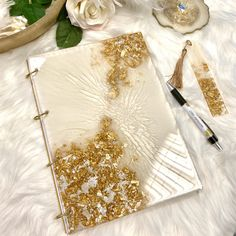 Diy Resin Art, Diy Resin Crafts, Wood Resin, Paper Crafts, Book Cover Art, Book Cover Design, Epoxy, Cute Notebooks, Diy Art Projects