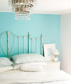 bedroom #turquoise  Love the bed, chandelier and wall colour