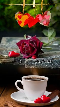 Coffee Heart, Coffee Love, Coffee Break, Coffee Cups, Love Pictures, Beautiful Pictures, Happy Weekend Images, Coffee Images, Good Morning Gif