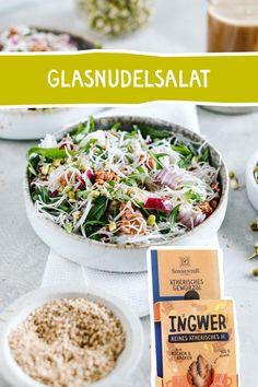 Erfrischend-exotischer Salat! Habt ihr schon mal unsere Bio Gewürzöle probiert? Falls nicht, ist hier die perfekte Gelegenheit, ihr werdet sie lieben! #ingwer #gewürzöl #salat #glasnudel #asiatisch #rezept #lecker #rezeptidee #vorspeise #beilage Tofu, Dressings, Grains, Rice, Recipes, Salads, Side Dishes, Cooking, Food Food