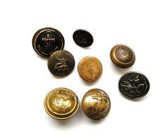 Très beau lot de 7 boutons anciens et boutons militaires en métal doré et un boutons en métal argenté. : Boutons par matt-et-les-petits-cadeaux