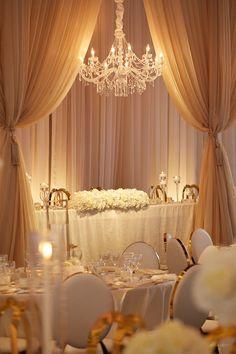 An Elegant White and Gold Wedding? Yes, Please - WedLuxe Magazine An Elegant White and Gold Wedding? White And Gold Wedding Themes, Beige Wedding, White Wedding Cakes, Glamorous Wedding, Gold Party Themes, Elegant Party Themes, Purple Wedding, Elegant Wedding, Fall Wedding