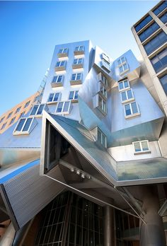 Stata - MIT  Photo ByFelix Martin.TheRay and Maria Stata Centeris a 720,000-square-foot (67,000m2) academic complex designed byPritzker Prize-winning architectFrank Gehryfor theMassachusetts Institute of Technology