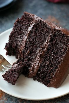 This Moist Chocolate Cake recipe is seriously the best chocolate cake you'll ever make. It's EASY to make & so moist and rich in chocolate flavor! Best Moist Chocolate Cake, Ultimate Chocolate Cake, Homemade Chocolate, Chocolate Flavors, Chocolate Cream, Costco Chocolate Cake, Matilda Chocolate Cake, Chocolate Cake Recipes, Fluffy Chocolate Cake