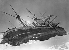 Endurance crushed by pack ice on Ernest Shakleton's 1914 Antarctic expedition. Heroic Age, Abandoned Ships, Photo Report, Shipwreck, Tall Ships, Historical Photos, Sailing Ships, Ocean, Explore