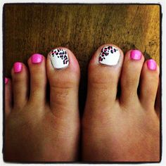 Pink and white leopard pink toe nail art. Cute girly nail art.