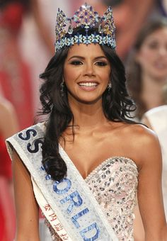 These 69 are the most beautiful miss world winners who have mesmerized people across the world from Vanessa Ponce de León, 2018 Miss world winner is also included. Most Beautiful Faces, Beautiful Inside And Out, Beautiful Places, Megan Young, World Winner, Fashion Idol, Emo Fashion, Gothic Corset, Black Corset