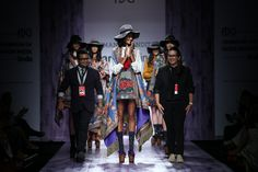 A beautiful show by designer duo Hemant and Nandita at the Amazon India Fashion Week. Shop at: http://www.perniaspopupshop.com/designers/hemant-and-nandita #fashionweek #amazonindia #2015 #autumnwinter