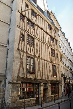 Rue Volta, half timber in Paris