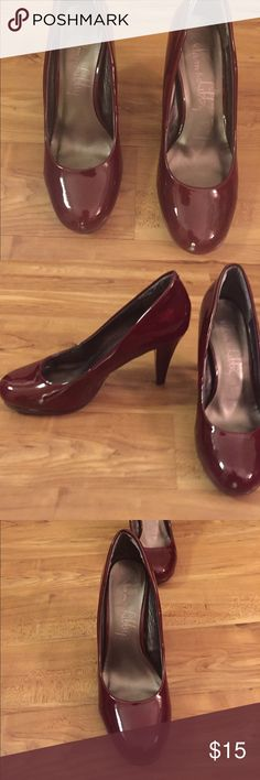 Maroon/wine colored pumps Great pumps just a little too big. No major wear. Wish they fit me. A great fall color! Sam & Libby Shoes Heels