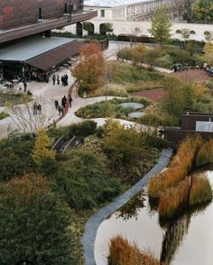 Musee du Quai Branly: beautiful garden, excellent collection and ...