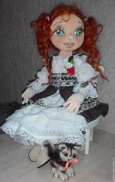 Купить Сонечка и ее Маркиз - коричневый, белое платье, рыжая девочка, котенок из шерсти, бязь Disney Characters, Fictional Characters, Dolls, Disney Princess, Art, Baby Dolls, Art Background, Puppet, Kunst
