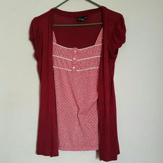 Beautiful red top Beautiful red top . Worn gently. Very Good condition Tops Tees - Short Sleeve