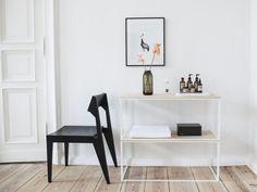 Stuhl Schulz und Fischer Regalsystem - OBJEKTE UNSERER TAGE - Interior Design aus Berlin by Design Bestseller