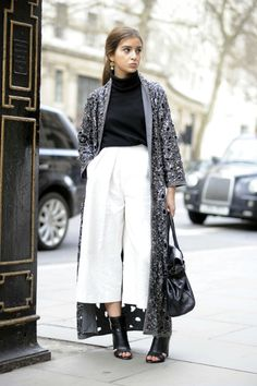 How To Wear Culottes Casual Trousers 55 Ideas Winter Fashion Outfits, Look Fashion, Fashion News, Womens Fashion, How To Wear Culottes, Culottes Outfits, Elegante Y Chic, Work Wardrobe, Street Style Looks