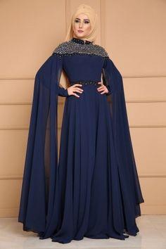 ABİYE Omuzları Pelerinli Tesettür Abiye DMN8023 Laci Indian Fashion Dresses, Abaya Fashion, Muslim Fashion, Fancy Dress Design, Stylish Dress Designs, Hijab Sport, Dress Pesta, Mode Abaya, Zeina