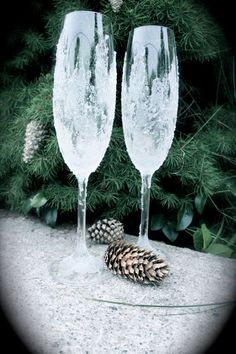 NEED HELP LADIES :) – Winter Wonderland Themed Wedding Ideas - Weddingbee