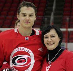 Ice Hockey Teams, Hockey Stuff, Hurricanes Hockey, Carolina Hurricanes, Future Husband, Nhl, Football, Sports, Happiness