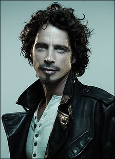 Oh Chris....your so purty AND you can sing like a beast !!      Chris Cornell