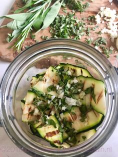 gegrilde courgette in witte balsamico Tapenade, Pickles, Cucumber, Zucchini, Bbq, Snacks, Canning, Vegetables, Food