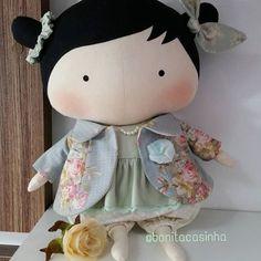 Tilda 30cm (vendida) acabamento embutido. Costuras da boneca feitas à mão. Pintura com tinta atóxica. Todo carinho e capricho que você merece! #tilda #bonecas #dolls #doll #bonecadepano #ilovetilda #tildatoybox #sweetheartdoll #quartodebebe #maternidade #mamaes #quartodemenina #decoracaoinfantil #decoracaodefestas #chadefraldas #chadebebe #amominhafilha #eutenhoumaprincesa #minhafilhaminhavida #fotografiainfantil #patchwork #enxovaldebebe #meubebe #atelie #artesanato