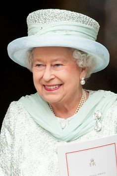 The Queen is wearing the Cullinan III and IV Brooch, jokingly referred to as 'Granny's Chips'. The two stones are 'chips' from the famous Cullinan Diamond, the largest ever found; the brooch was created for Queen Mary (Queen Elizabeth's Grandmother) in Queen Elizabeth Grandmother, Queen Elizabeth Ii, Queen Hat, Hardy Amies, Celebrity Engagement Rings, Queen Fashion, Her Majesty The Queen, British Monarchy, Kate Bosworth