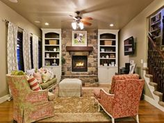 Fabulous-Floral-Printed-Armchairs-and-Traditional-Rug-for-Traditional-Family-Room-Decorating-Ideas-with-Stone-Fireplace.jpg (1024×768)