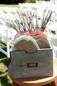 creative-diy-outdoor-wedding-ceremony-program-fans